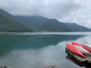 風景,空,屋外,湖,ボート,水面,山,車両,水上バイク