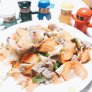 パーティ,カラフル,おもちゃ,美味しい,大勢,大盛り,いただきます,野菜炒め,食欲の秋,インスタ映え