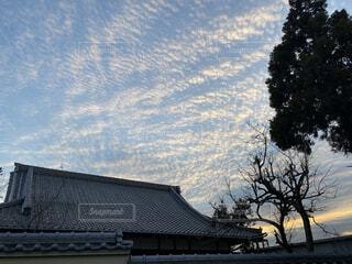 空,木,屋外,雲,夕方,家,樹木,寺