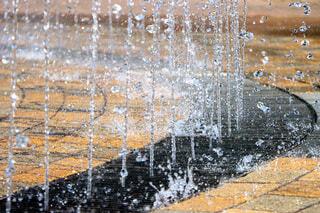 噴き上げる噴水の写真・画像素材[4706639]