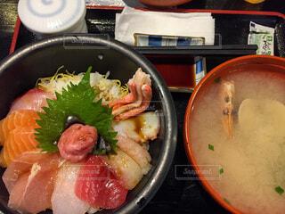 海鮮丼ランチセットの写真・画像素材[4825332]