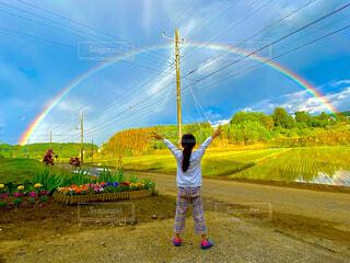 くっきりの虹の写真・画像素材[4693523]