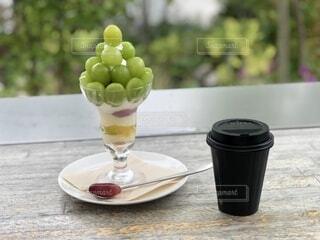 パフェとコーヒーの写真・画像素材[4694233]