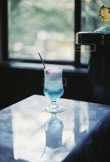 青いクリームソーダの写真・画像素材[4695398]