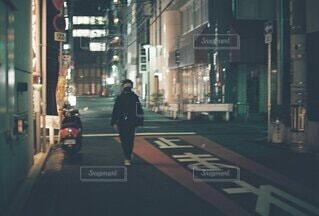 夜の散歩の写真・画像素材[4814056]