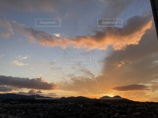 沈む夕日の写真・画像素材[4843721]