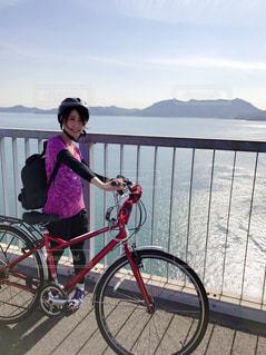 自転車に乗る女の子の写真・画像素材[985356]
