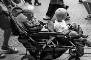 子ども,東京,モノクロ,キャノン,ポートレート,単焦点,外国人,ストリートスナップ