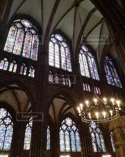 大聖堂のステンドグラスの写真・画像素材[4747439]
