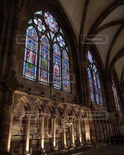大聖堂のステンドグラスの写真・画像素材[4747458]