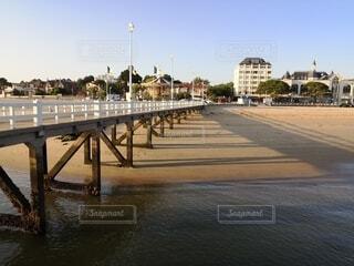 ビーチの桟橋の写真・画像素材[4747504]