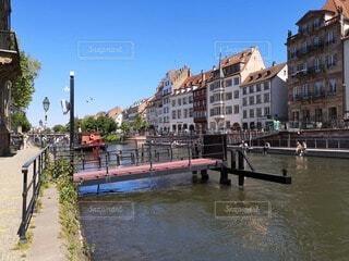 運河の船着き場の写真・画像素材[4750339]
