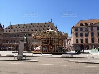 広場にあるメリーゴーランドの写真・画像素材[4763419]