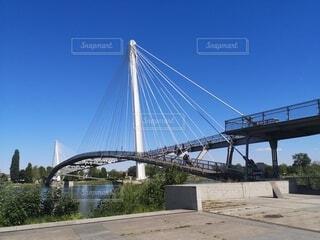 国境にかかる橋の写真・画像素材[4768483]