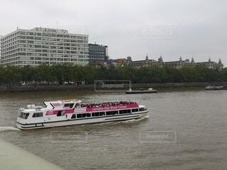 テムズ川のボートの写真・画像素材[4789312]