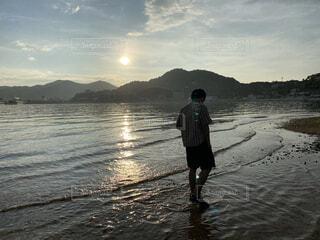 夕方の海の写真・画像素材[4822255]