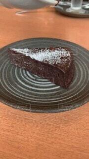 食べ物,スイーツ,ケーキ,屋内,かわいい,パン,デザート,フォーク,テーブル,皿,オシャレ,可愛い,おいしい,お洒落,パン屋さん,誕生日ケーキ,菓子,レシピ,チョコケーキ,おしゃれ,物,チョコソース