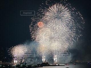 みなとみらいの花火大会の写真・画像素材[4763846]