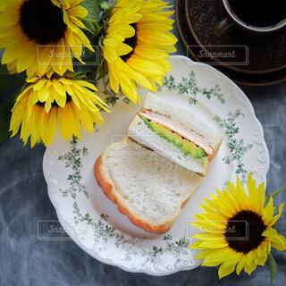 手作りパンでサンドイッチの写真・画像素材[4733250]