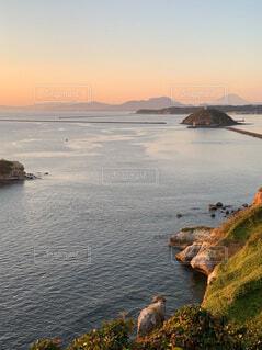 夕暮れ時の北海道の風景の写真・画像素材[4817943]