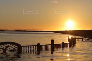沈む夕日の写真・画像素材[4843385]