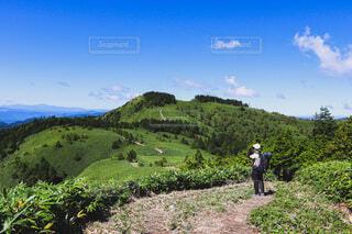 気持ちの良い山行の写真・画像素材[4938995]