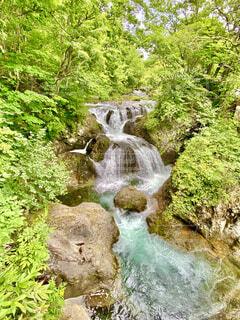 三階滝の流れの写真・画像素材[4748739]
