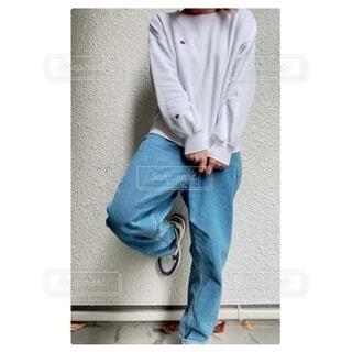 男性,ファッション,風景,ジーンズ,人物,人,シャツ,コーディネート,コーデ,デニム,ライフスタイル,履物,ズボン,スリーブ,ポケット,カジュアルドレス