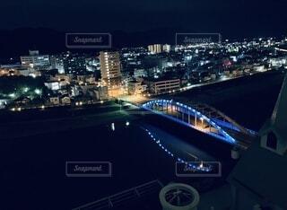 夜の都市の眺めの写真・画像素材[4757808]