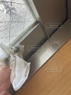閲覧注意!窓の汚れの写真・画像素材[4829042]
