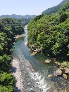 自然に流れる川の写真・画像素材[4759162]