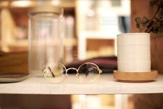 棚上の眼鏡の写真・画像素材[4767655]