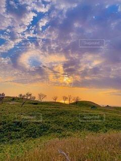 知床の夕陽の写真・画像素材[4827379]