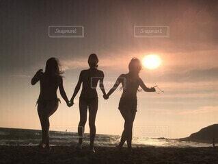 仲良し三姉妹の写真・画像素材[4824637]