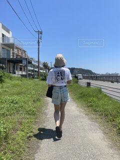 海沿いをお散歩の写真・画像素材[4829958]