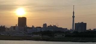 空,建物,屋外,雲,夕暮れ,水面,都会,高層ビル