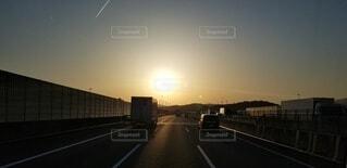 風景,太陽,夕焼け,夕暮れ,高速道路