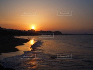 宮崎の青島での夕日の写真・画像素材[4770940]