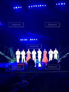ステージ上の人々 のグループ - No.808882