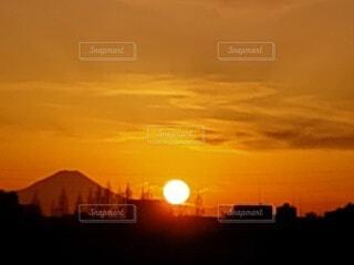 富士山と夕日の写真・画像素材[4784000]
