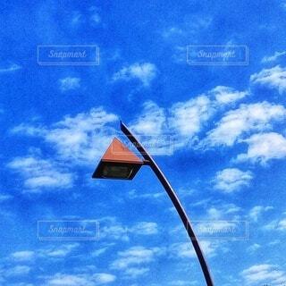 水色の空に可愛い街路灯の写真・画像素材[4841211]