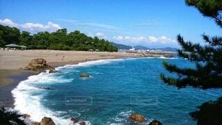 水色の空と藍色の海の写真・画像素材[4843574]