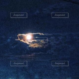 自然,風景,空,夜,夜空,月,神秘的,龍,ドラゴン,目,輝く