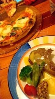 食べ物,食事,ディナー,野菜,チーズ,レストラン,肉,料理,おいしい,レシピ,ファストフード,ピザ