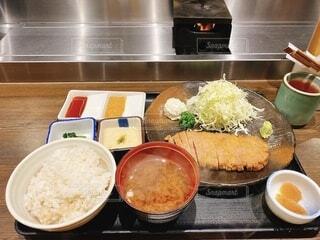 食べ物,ディナー,屋内,皿,レストラン