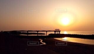 海,空,屋外,太陽,ビーチ,夕暮れ,水面