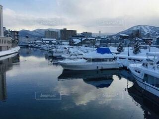 風景,空,冬,雪,屋外,湖,ボート,船,川,水面,景色,反射,港,河,小樽,歴史,運河,車両,水上バイク,おたる