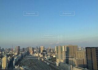 空,建物,東京タワー,屋外,東京,駅,雲,電車,タワー,都会,高層ビル,ダウンタウン,品川,日中,スカイライン