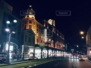空,建物,夜,夜景,屋外,路面電車,道路,タワー,都会,道,高層ビル,明るい,通り,鹿児島,街路灯
