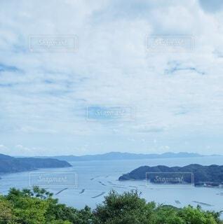 海と島と空と山の写真・画像素材[4841913]